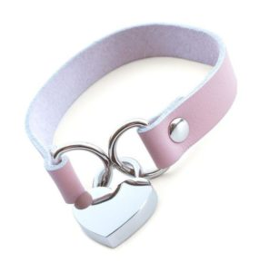 Stockroom Heart Lock Collar